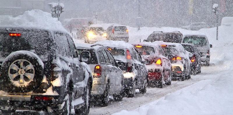 Masini in trafic iarna