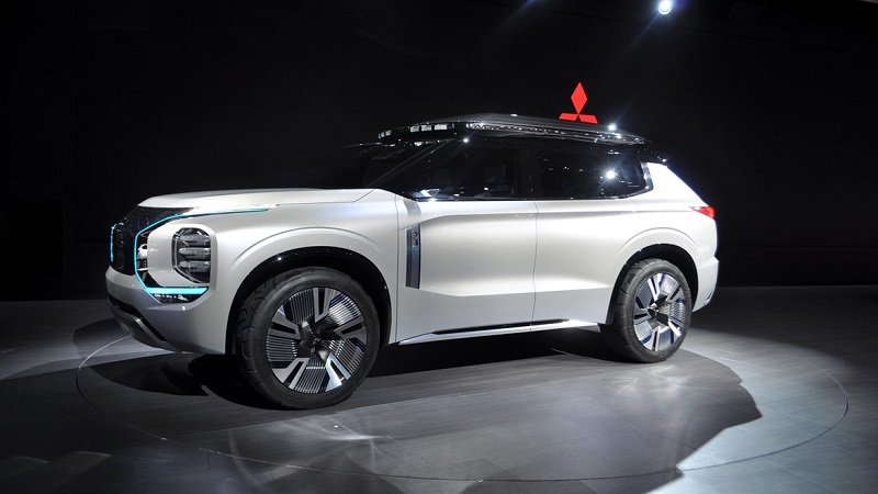 Mitsubitshi Engelberg Tourer Salonul Auto de la Geneva 2019